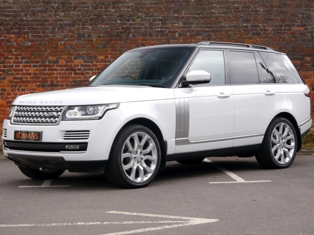 Pre-Owned LAND ROVER
