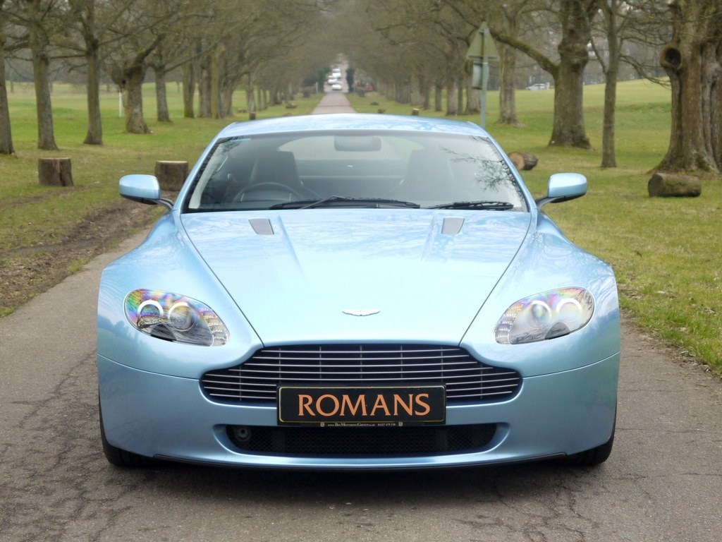 Aston Martin Vantage V8 Manual Premium Sound System Bluetooth For Sale