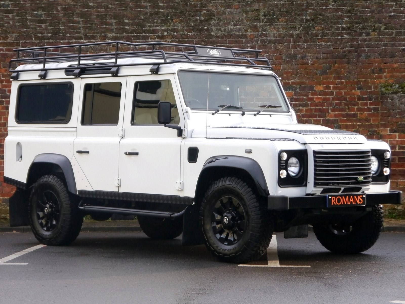 Land Rover Defender 110xs 2 2d 7 Seats Low Mileage For