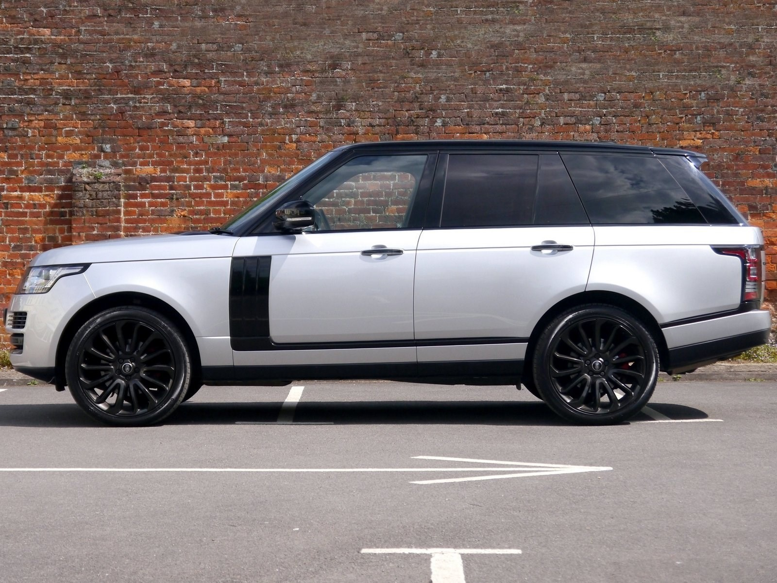 land rover range rover vogue se black pack 22 39 39 alloys contrasting roof for sale. Black Bedroom Furniture Sets. Home Design Ideas