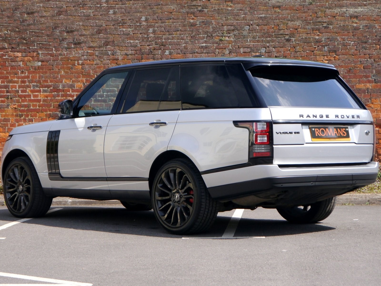 land rover range rover vogue se black pack 22 39 39 alloys. Black Bedroom Furniture Sets. Home Design Ideas